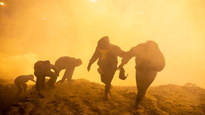 У новорічну ніч прикордонники застосували газ проти мігрантів на кордоні США і Мексики