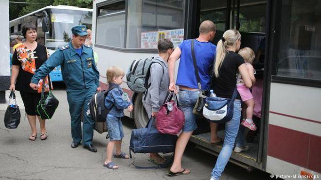 Рада разрешила переселенцам с Донбасса становиться на квартирный учет. Как это сделать?