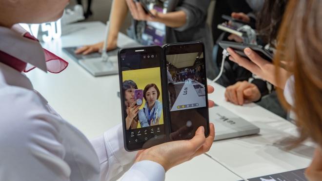 LG показала свою складную новинку — смартфон с отстегивающимся вторым экраном