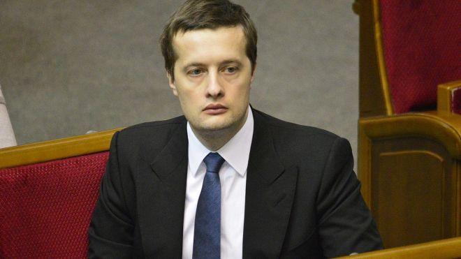 Порошенко подарил сыну Алексею более миллиона гривен наличными и долю дома в Козине