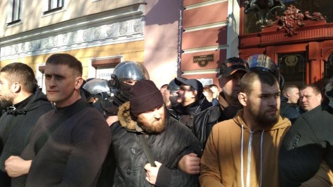 В Одесі «Нацкорпус» і «Автомайдан» блокують конференцію ОПзЖ