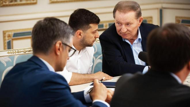 В группу минских переговорщиков от Украины вошли два замминистра и три депутата. Раньше статус переговорщиков был ниже. Это значит, что в ОРДЛО пройдут выборы? — Может быть (а может, и нет)