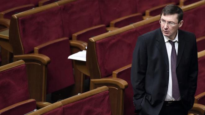 Генпрокурор Юрій Луценко не йде у відставку. Ось що він нам розповів про конфлікти з послом США та головою НАБУ, справу Burisma, плівки Розенблата та джерела корупції — велике інтерв'ю