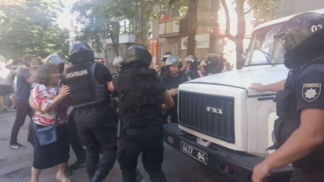 Экс-бойцы «Торнадо» забарикадировались в Лукьяновском СИЗО. Полиции понадобилось полдня чтобы их вывести