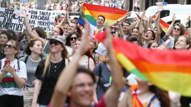 Противники и участники «КиевПрайда» устроили батл кричалок