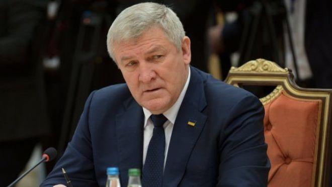 Министр обороны времен Януковича Ежель получил статус беженца в Беларуси. В Украине его будут судить заочно