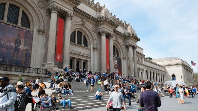 Нью-Йоркский музей Метрополитен отказался от пожертвований известной династии филантропов из-за ее роли в опиоидном кризисе в США