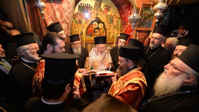 Синод утвердил текст Томоса для Украины и дату Объединительного собора, но об этом пока не говорят публично.  Кратко пересказываем репортаж «ВВС Украина».