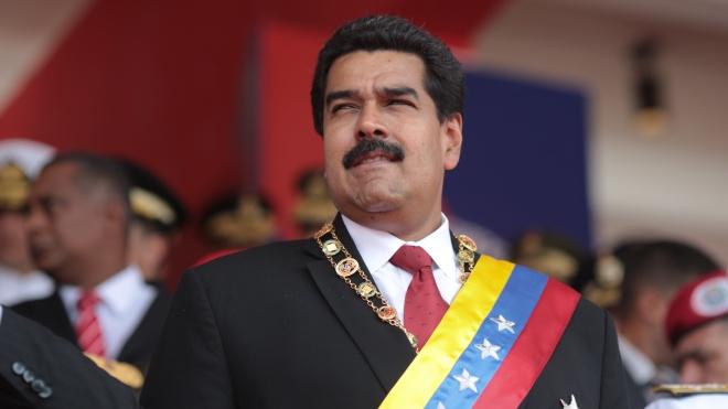 Президент Венесуэлы обнародовал свой номер телефона и призвал добавлять его в чаты в соцсетях. Там он будет «бороться за правду»