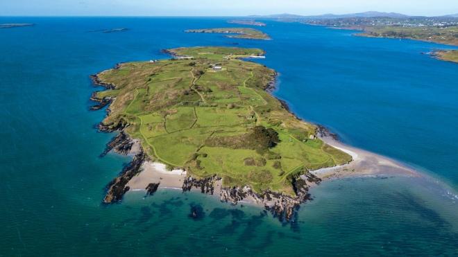 Частный остров возле Ирландии продали за €5,5 миллиона через видеосвязь