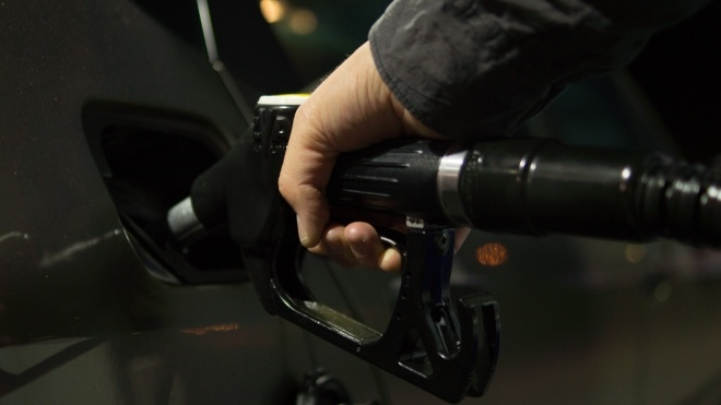 Кабмін підвищив граничну ціну на бензин та дизель