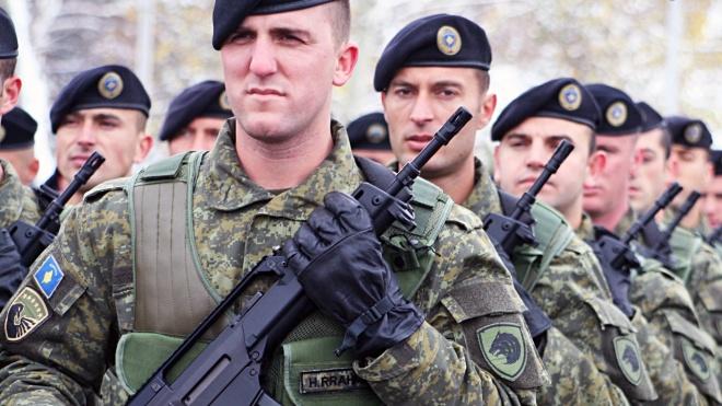 Зеленский разрешил отправить в Косово двух украинских военных