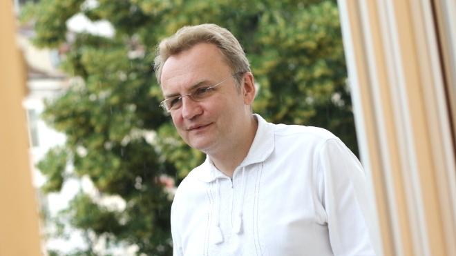 Садовый пообещал вернуть Саакашвили гражданство Украины