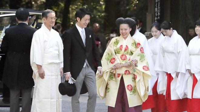Японська принцеса Аяко вийшла заміж за простолюдина і залишилась без титулу