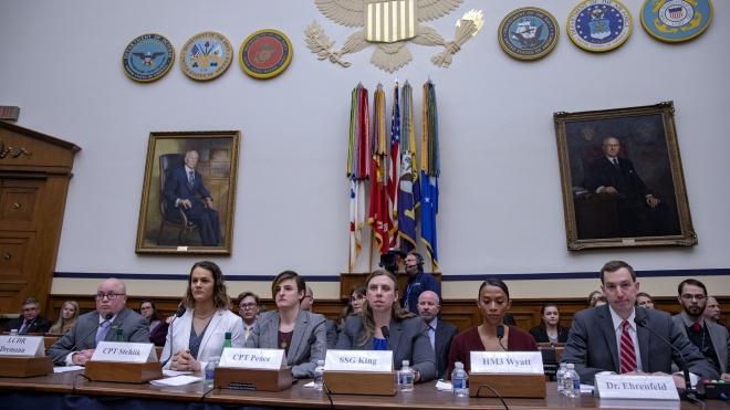 Военные-трансгендеры впервые выступают в Конгрессе США. Они объясняют, почему им нельзя запрещать служить в армии