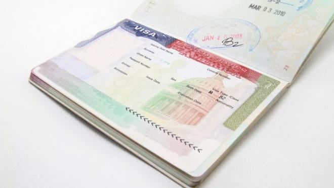 США припиняють видавати візи в Росії