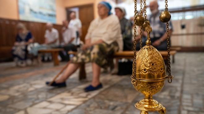 Дезінфекція та скринінг. Київ запровадив особливі вимоги до богослужінь у Вербну неділю та Великдень