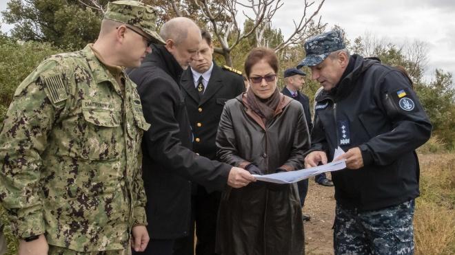 Посольство США в Україні попередило своїх громадян про масові заворушення та опублікувало телефони гарячих ліній