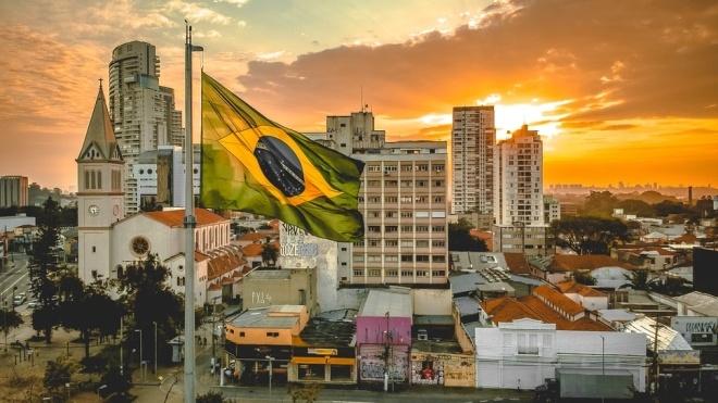 Бразилия открывается для туристов, которые прибывают самолетом