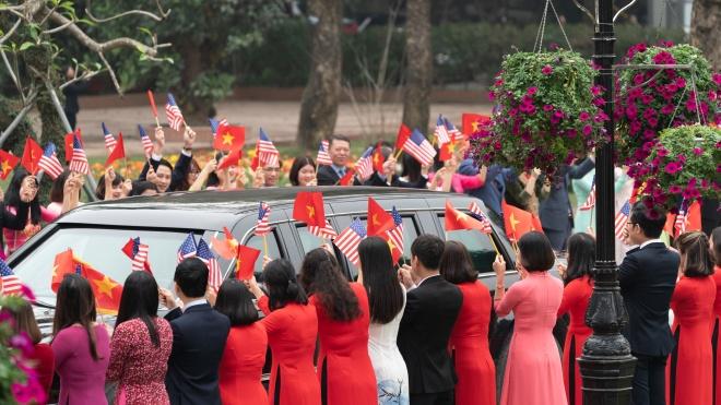 Білий дім заборонив чотирьом американським журналістам висвітлювати вечерю Трампа і Кім Чен Ина