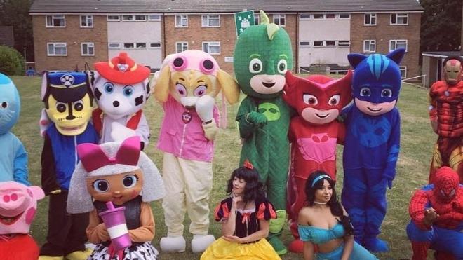 В Великобритании на праздник вызвали девушек-аниматоров. Там их били и оскорбляли дети, пришлось вызвать полицию