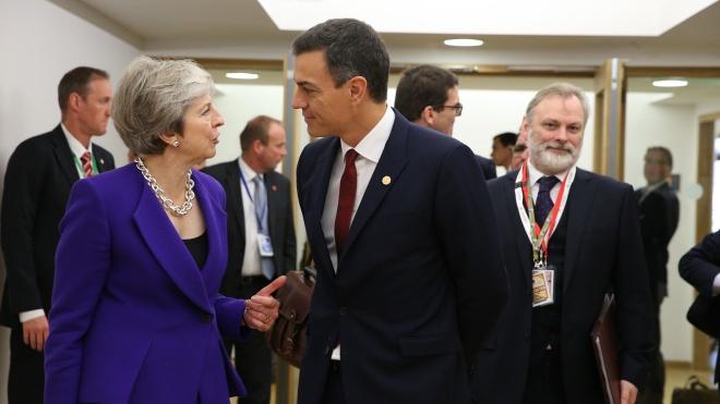 Іспанія погодилася не блокувати угоду про Brexit. Вони з Британією домовилися, як ділитимуть Гібралтар