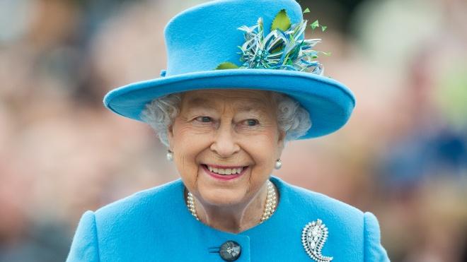 Королева Елизавета II сделала свой первый пост в Instagram. Она выложила фото архивного письма 1843 года из музея науки