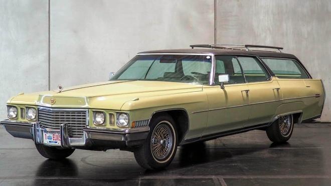 Кадилак Елвіса Преслі продали за 69 тисяч євро. Це була остання машина короля рок-н-ролу