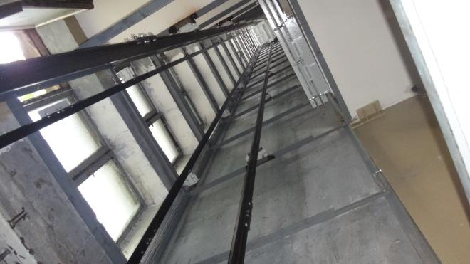 В Польше с 15 этажа сорвался лифт с украинцами. Они находятся в больнице