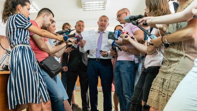 «Вирок не набуде чинності». Захист Януковича оскаржить рішення Оболонського райсуду