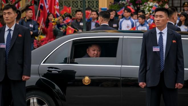 Вночі: Кім Чен Ин прибув у В'єтнам, у Венесуелі затримали американських журналістів, справу Савченко-Рубана повернули до Києва