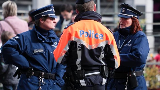 У Брюсселі поліція розігнала натовп, який прийшов на концерт. Захід виявився першоквітневим жартом