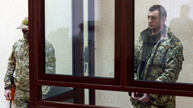 У Криму суди арештували усіх українських моряків, яких росіяни затримали в Керченській протоці