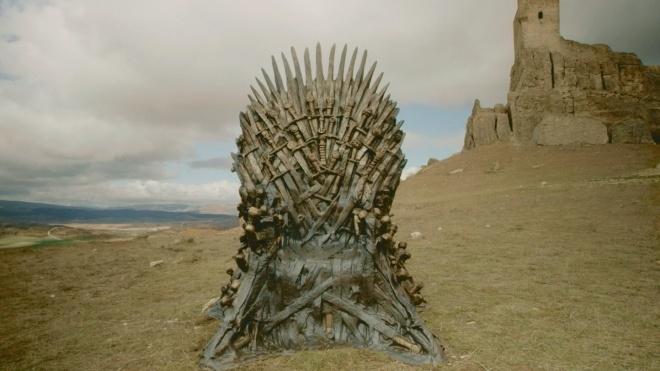 Трон з очима дракона. HBO показав постер фінального сезону «Гри престолів»