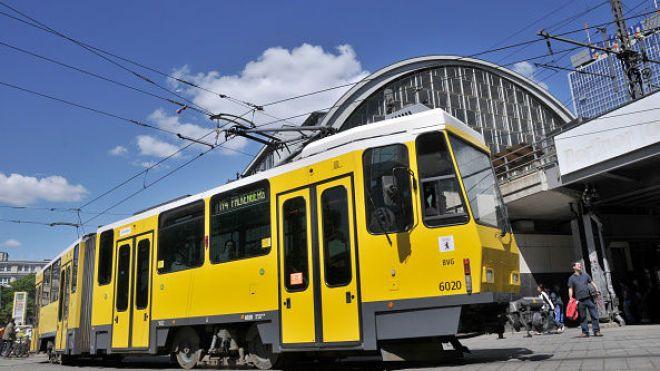 Львов закупил немецкие трамваи, двери которых не открываются на остановках. Прокуратура расследует халатность