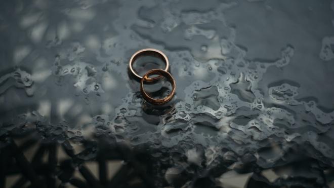 Рада не дозволила жителям тимчасово окупованих територій реєструвати експрес-шлюби