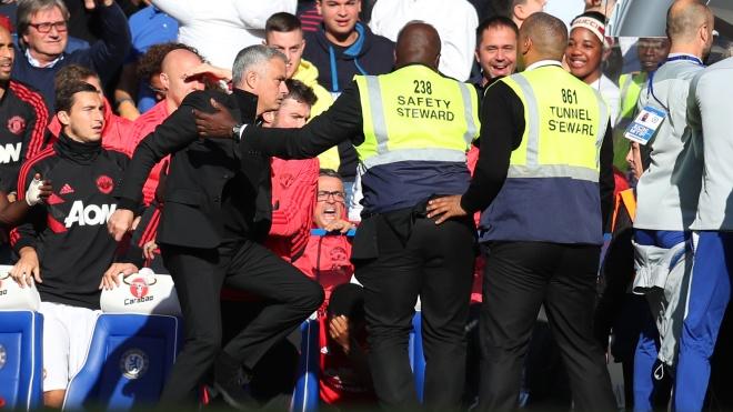Моуриньо затеял драку с тренерами «Челси», и это сравнили с картиной Караваджо. При чем здесь «Иуда»?