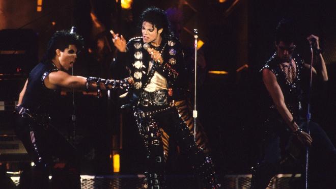 Куртку Майкла Джексона з його першого сольного туру виставили на аукціон