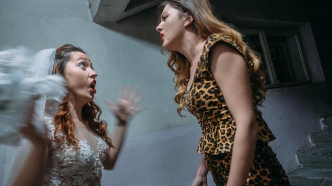 Спектакль стоит 150 тысяч гривен, а собирает он 60 тысяч. Как в Украине выживают независимые театры, на примере «Дикого» — репортаж theБабеля