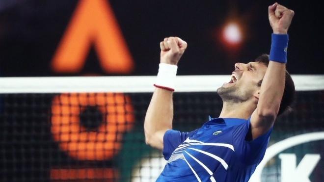 Джокович виграв свій шостий турнір у Вімблдоні. Він зрівнявся за трофеями з Федерером і Надалем