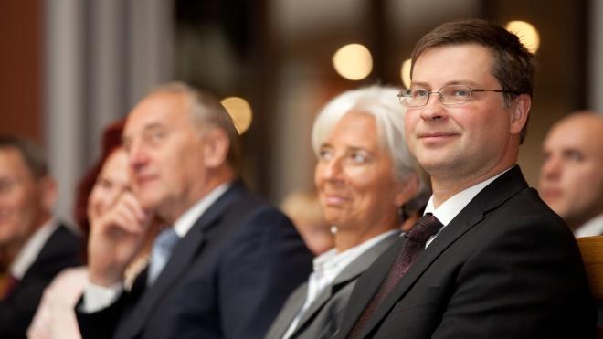 Єврокомісія схвалила Україні перший транш на 500 млн євро за новою програмою макрофінансової допомоги