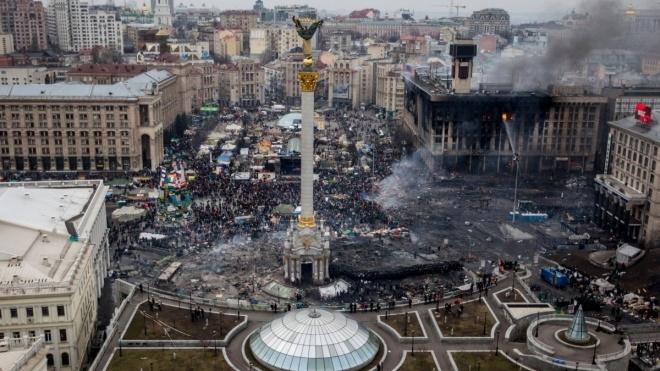 «Важкою ціною вистояли і перемогли». Україна відзначає 5-річчя початку Революції Гідності