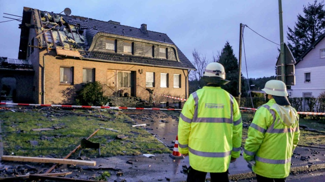 По немецкому городу прошелся торнадо. Повреждены около 40 домов, есть пострадавшие