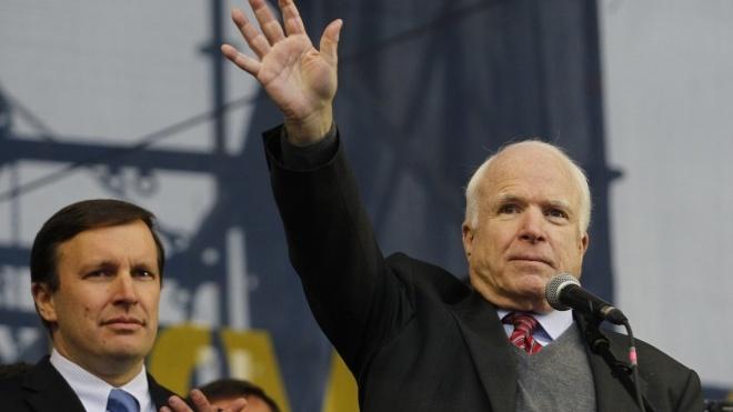 В Киеве назвали улицу в честь покойного сенатора из США Джона Маккейна