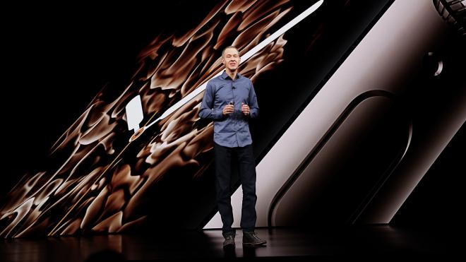 Джеффа Вільямса називають наступником гендиректора Apple. Він одягається як Тім Кук і копіює його стиль керівництва — переказуємо матеріал Bloomberg