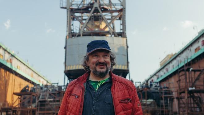 Один день з режисером Владом Троїцьким. Підготовка до опери в корабельному доці, балет кранів й актори у воді