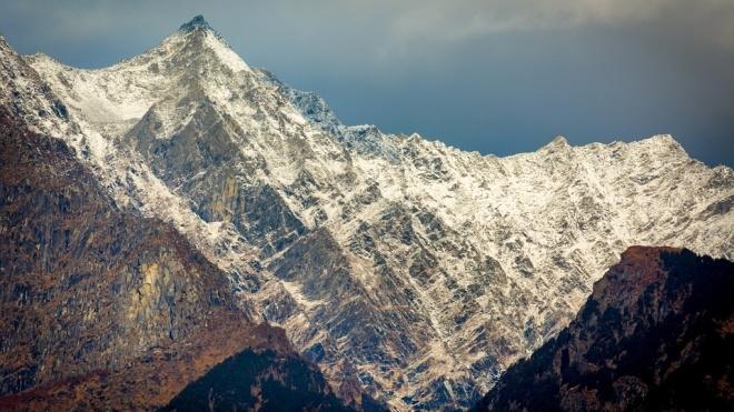 У Непалі через лавину загинули дев'ять альпіністів, серед них рекордсмен з підкорення найвищих гір світу