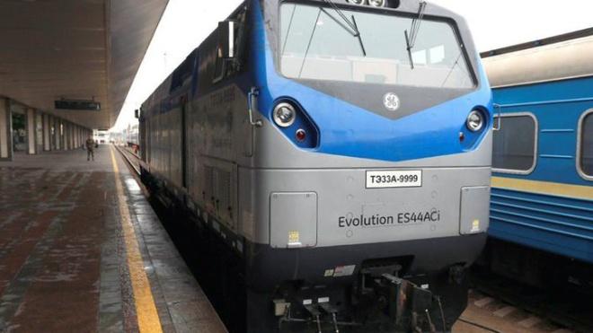 «Укрзалізниця» отримала ще 7 американських локомотивів GeneralElectric
