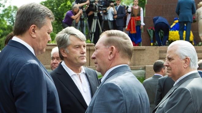 Усі очікують на дебати Порошенка та Зеленського на стадіоні. Ми згадали, як готувалися до дебатів і перемагали на них чотири українські президенти