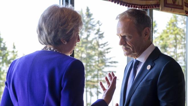 «Друзі залишаться друзями до самого кінця». Лідери ЄС схвалили угоду про Brexit